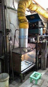 Welding table and dust remover